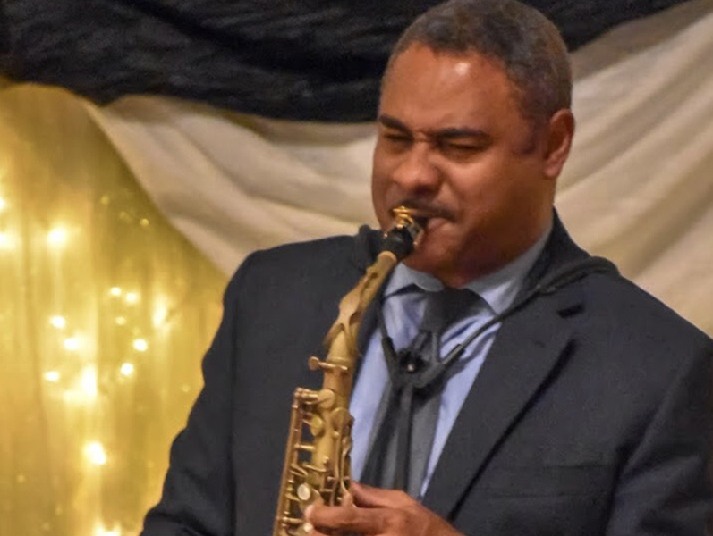 saxophonist Todd Wright